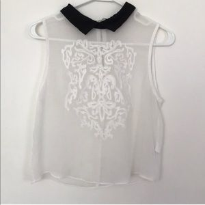 Tops - EUC Adorable white sheer top!